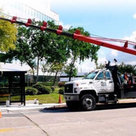 Large shelter crane