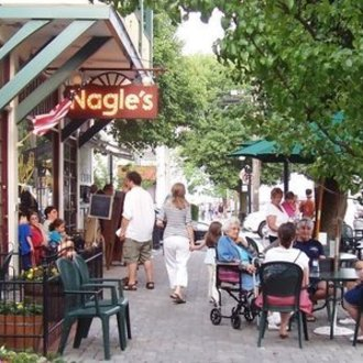 Encourage the opening of sidewalk cafes