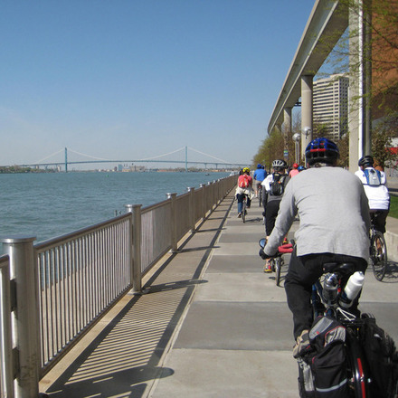 Large bikesriverwalk