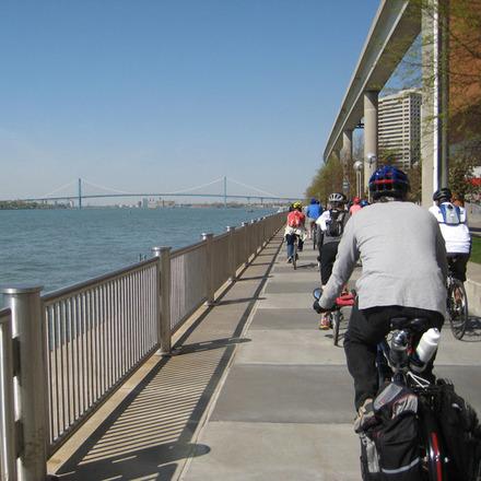 Large bikesriverwalk
